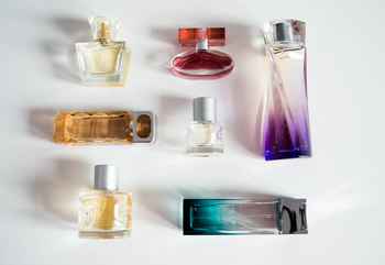 Characteristics of Cosmetic Containers And Acrylic Bottles